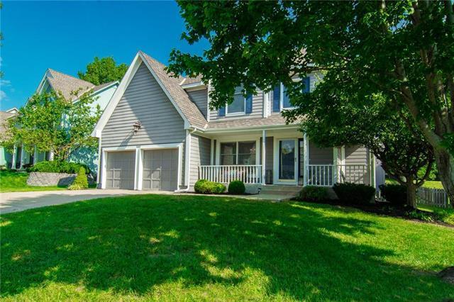 13017 Stearns Street, Overland Park, KS 66213 (#2130128) :: Kansas City Homes
