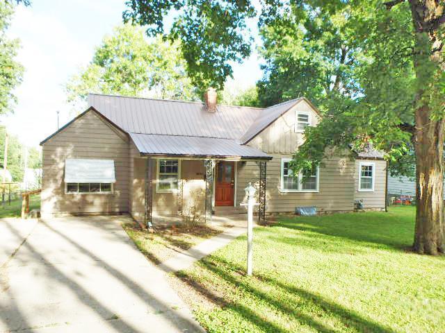 5805 Harvard Avenue, Raytown, MO 64133 (#2130147) :: Char MacCallum Real Estate Group