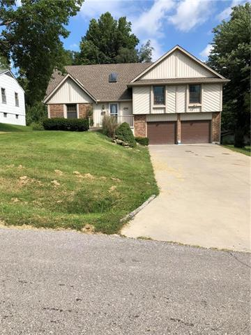11902 E 37TH Street, Independence, MO 64052 (#2130161) :: The Shannon Lyon Group - ReeceNichols