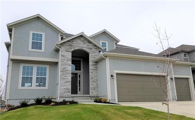 24727 W 92nd Street, Lenexa, KS 66227 (#2130180) :: The Gunselman Team