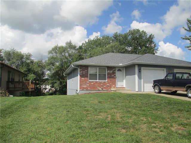 616 Morningview Drive, Harrisonville, MO 64701 (#2130233) :: Edie Waters Network