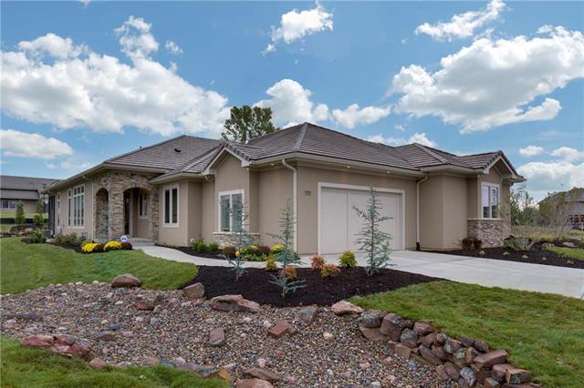 14517 Birch Street, Leawood, KS 66224 (#2130244) :: NestWork Homes