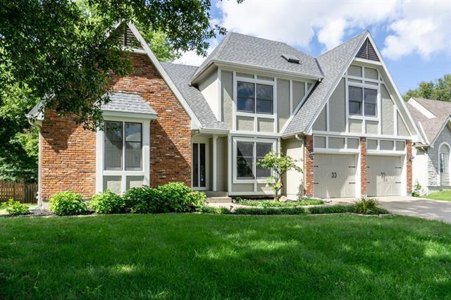 9840 N Highland Terrace, Kansas City, MO 64155 (#2130359) :: Edie Waters Network
