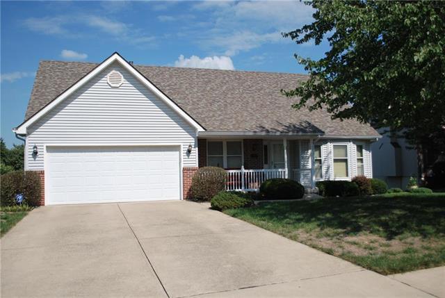 510 Taylor Drive, Liberty, MO 64068 (#2130366) :: Char MacCallum Real Estate Group