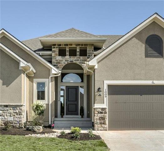 1007 Rannoch Lane, Raymore, MO 64083 (#2130385) :: The Shannon Lyon Group - ReeceNichols