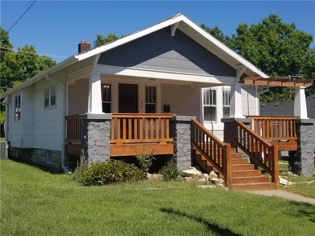 1124 Parker Street, Osawatomie, KS 66064 (#2130388) :: Kedish Realty Group at Keller Williams Realty