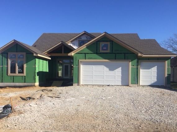 8102 Millridge Street, Lenexa, KS 66220 (#2130395) :: NestWork Homes