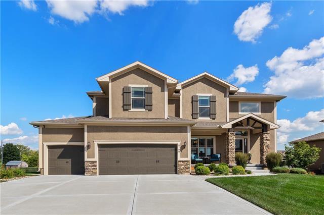 8708 SW 5th Street Court, Blue Springs, MO 64064 (#2130521) :: Kansas City Homes