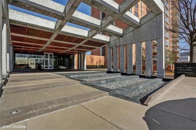 221 W 48th #1405 Street #1405, Kansas City, MO 64112 (#2130550) :: Char MacCallum Real Estate Group