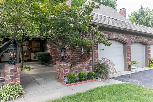10234 Robinson Street, Overland Park, KS 66212 (#2130585) :: NestWork Homes