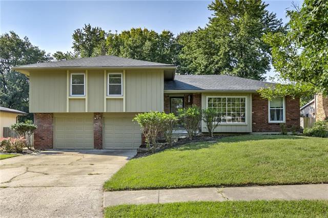 813 NE 80 Terrace, Kansas City, MO 64118 (#2130595) :: Edie Waters Network