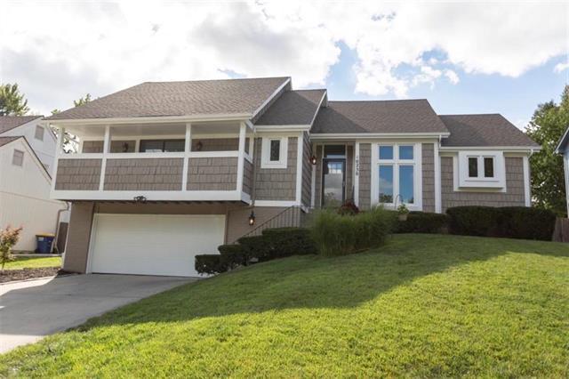 10250 Garnett Street, Overland Park, KS 66214 (#2130668) :: NestWork Homes