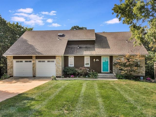 5729 Hauser Street, Shawnee, KS 66216 (#2130690) :: Char MacCallum Real Estate Group