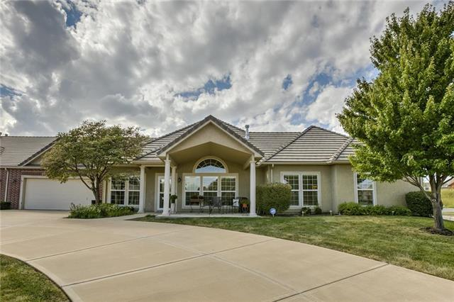 14512 Birch Street, Leawood, KS 66224 (#2130694) :: Char MacCallum Real Estate Group