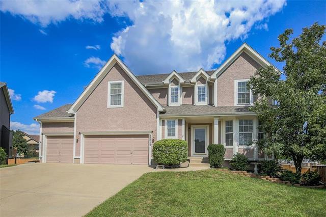 13705 Parkhill Street, Overland Park, KS 66221 (#2130696) :: NestWork Homes