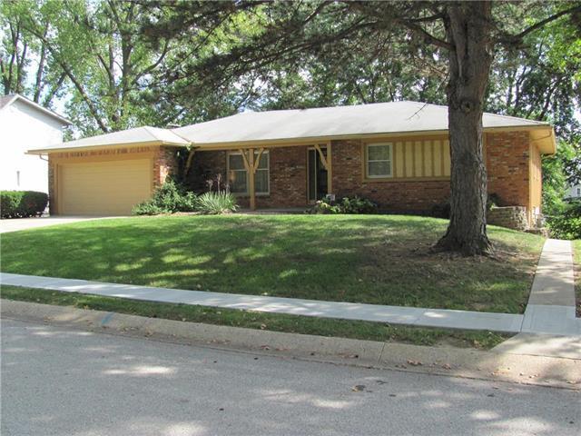 2419 N 72 Place, Kansas City, KS 66109 (#2130700) :: Edie Waters Network