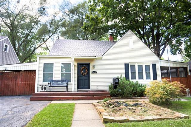 5618 Maple Street, Mission, KS 66202 (#2130703) :: Char MacCallum Real Estate Group