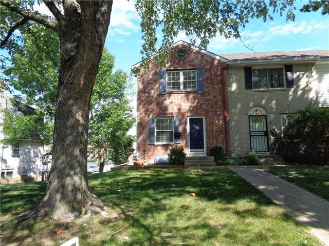 7119 NW Winter Avenue, Parkville, MO 64152 (#2130721) :: Edie Waters Network