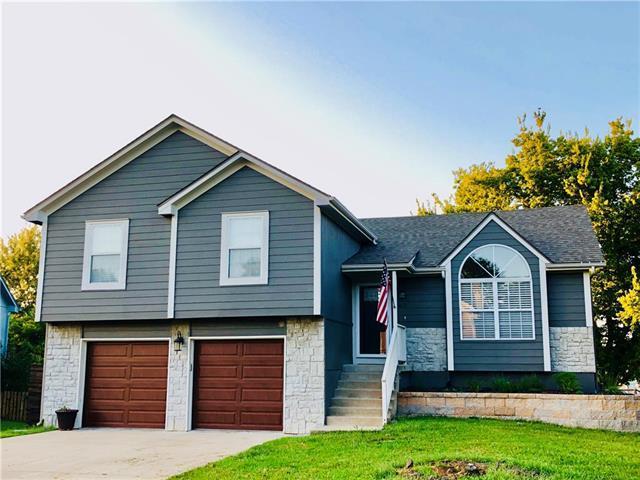 1612 SE 12TH Street, Lee's Summit, MO 64081 (#2130752) :: Kansas City Homes