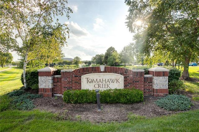 11618 Tomahawk Creek Parkway A, Leawood, KS 66211 (#2130769) :: Char MacCallum Real Estate Group