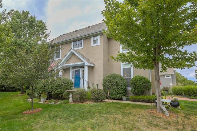 12424 Long Street, Overland Park, KS 66213 (#2130784) :: The Shannon Lyon Group - ReeceNichols