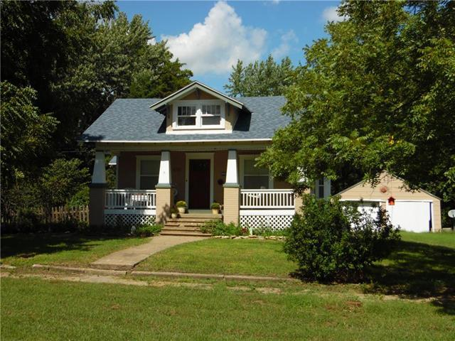 2762 Main Street, Vassar, KS 66543 (#2130791) :: Char MacCallum Real Estate Group