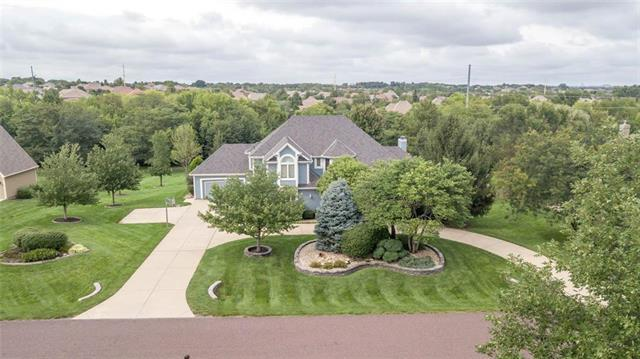 10604 W 148th Street, Overland Park, KS 66221 (#2130844) :: Char MacCallum Real Estate Group
