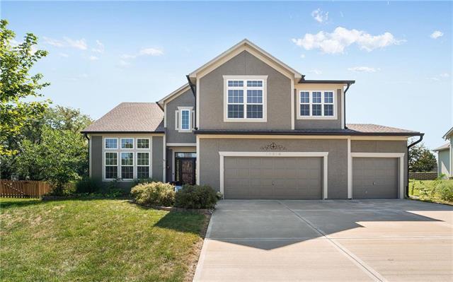 10919 Northridge Drive, Kansas City, KS 66109 (#2130862) :: Char MacCallum Real Estate Group