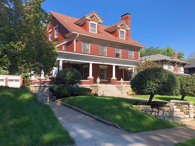 3614 Pennsylvania Avenue, Kansas City, MO 64111 (#2130866) :: Edie Waters Network