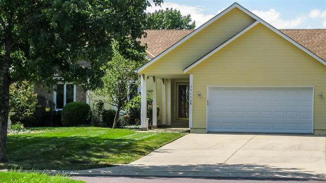 15108 Woodson Street, Overland Park, KS 66223 (#2130924) :: Char MacCallum Real Estate Group