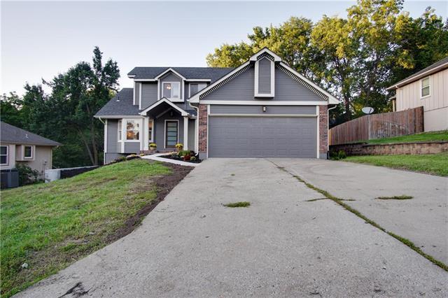 1105 SW Granite Creek Drive, Blue Springs, MO 64015 (#2130935) :: Edie Waters Network