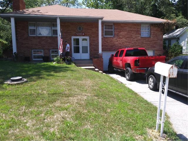 5004 Marsh Avenue, Kansas City, MO 64129 (#2130951) :: Edie Waters Network