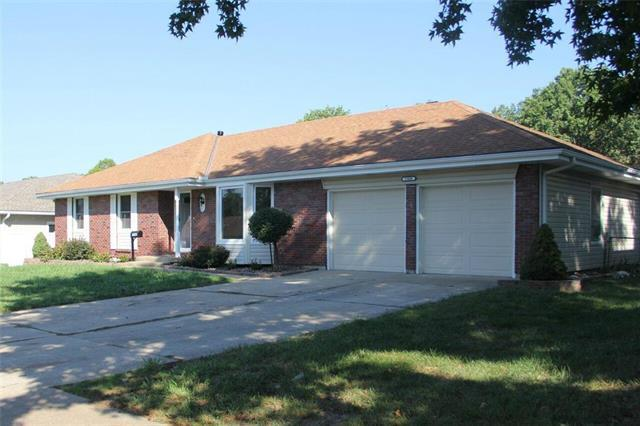15600 E 44th Street, Independence, MO 64055 (#2130967) :: Edie Waters Network
