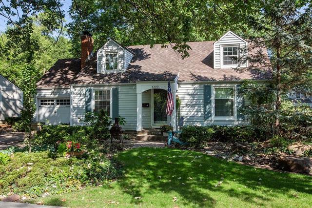 4300 Prairie Lane, Prairie Village, KS 66208 (#2130981) :: Char MacCallum Real Estate Group
