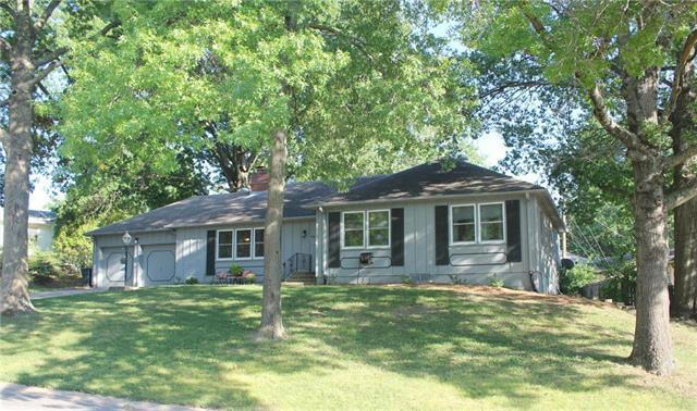 316 Hillcrest Drive, Warrensburg, MO 64093 (#2130995) :: Edie Waters Network