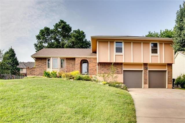 13022 W 57th Terrace, Shawnee, KS 66216 (#2131046) :: Kedish Realty Group at Keller Williams Realty