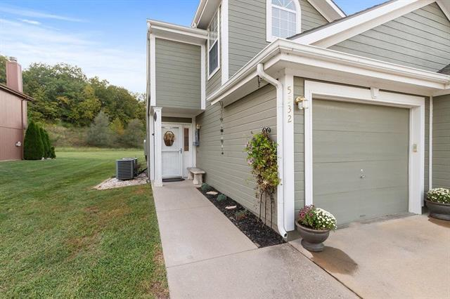 5532 NW Moonlight Meadow Drive, Lee's Summit, MO 64064 (#2131120) :: Team Real Estate