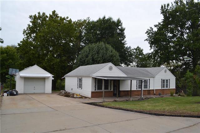 6118 N Main Street, Gladstone, MO 64118 (#2131179) :: NestWork Homes