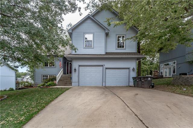 18721 Grove Circle, Independence, MO 64058 (#2131201) :: The Shannon Lyon Group - ReeceNichols
