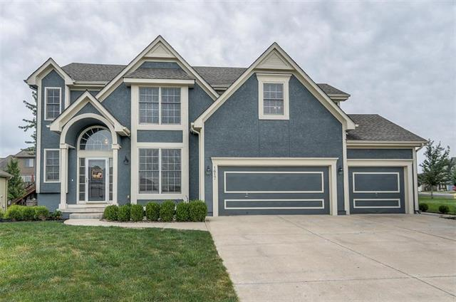 1617 SW Summit Hill Court, Lee's Summit, MO 64081 (#2131226) :: Edie Waters Network