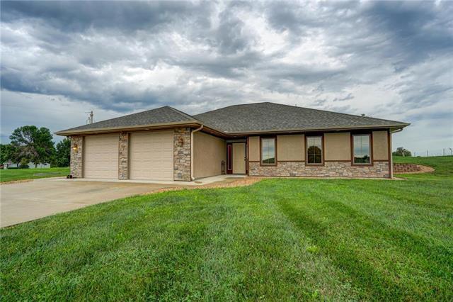 1609 NE 188th Street, Smithville, MO 64089 (#2131254) :: NestWork Homes