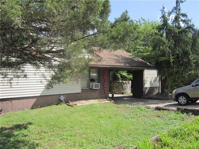 3707 S Sterling Avenue, Independence, MO 64052 (#2131278) :: Kedish Realty Group at Keller Williams Realty