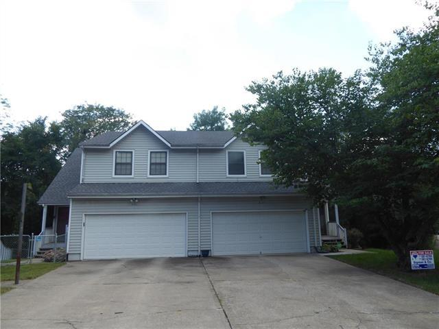 9107 E 85th St Place, Raytown, MO 64138 (#2131296) :: Edie Waters Network