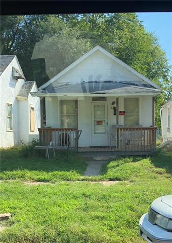 815 S 18th Street, St Joseph, MO 64501 (#2131304) :: NestWork Homes