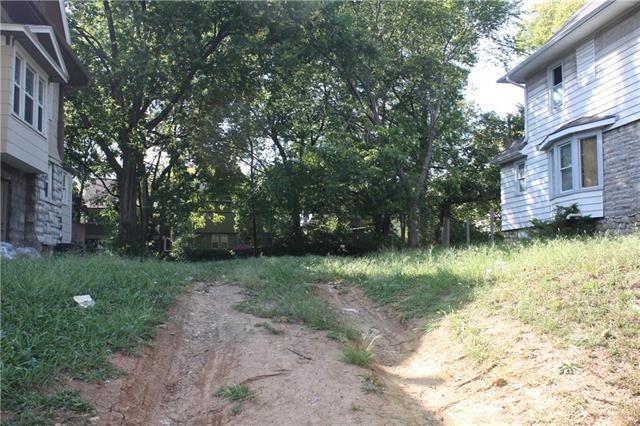 4154 Troost Avenue, Kansas City, MO 64110 (#2131332) :: Edie Waters Network