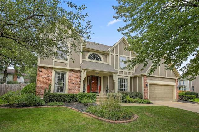 12317 Connell Drive, Overland Park, KS 66213 (#2131398) :: Edie Waters Network