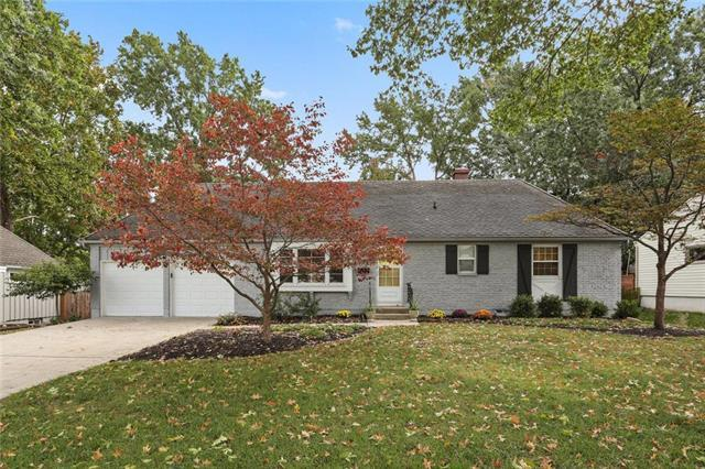 8329 Tomahawk Road, Overland Park, KS 66207 (#2131419) :: Char MacCallum Real Estate Group