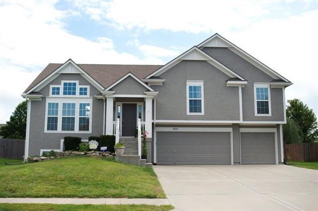 405 Eagle Glen Drive, Raymore, MO 64083 (#2131545) :: Char MacCallum Real Estate Group