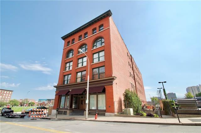 609 Central Street #1210, Kansas City, MO 64105 (#2131628) :: Char MacCallum Real Estate Group
