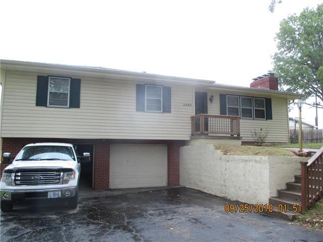 3429 Linda Lane, St Joseph, MO 64506 (#2131630) :: Team Real Estate